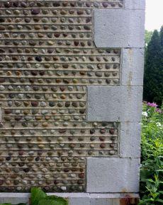 Quoins of Onondaga Limestone with cobble details.