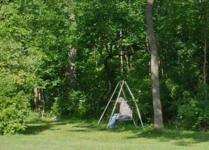 Private spots for reflection in nature.